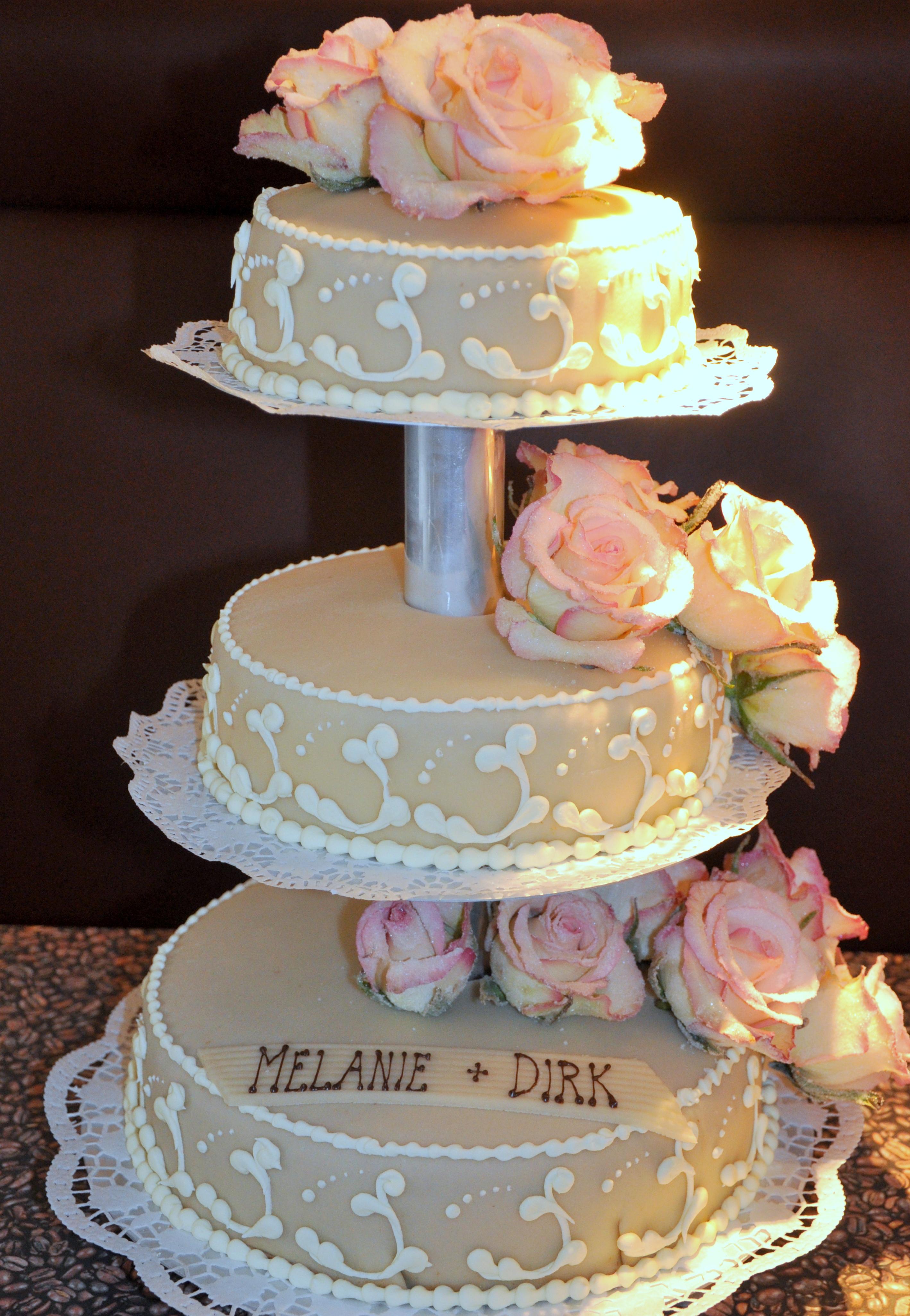 Hochzeitstorten In Geilenkirchen Schleypen Cafe Und Konditorei